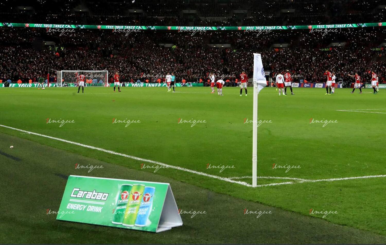 quảng cáo tại sân bóng đá