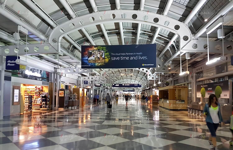 quảng cáo biển thả trần sân bay