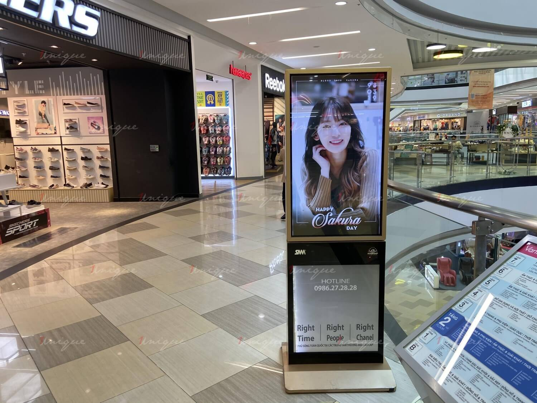 quảng cáo Lcd mừng sinh nhật Sakura