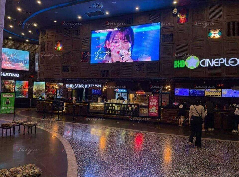 quảng cáo rạp chiếu phim chúc mừng sinh nhật sakura