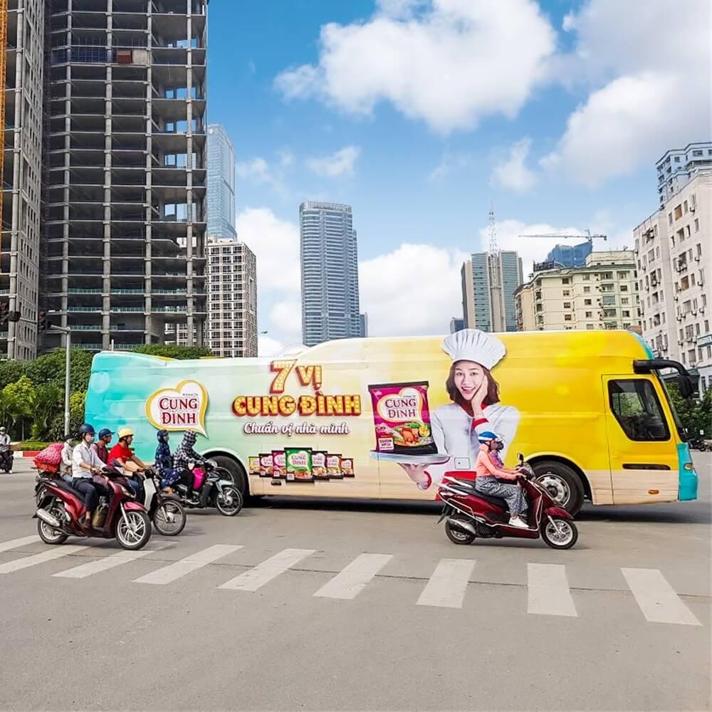 quảng cáo Luxury Roadshow