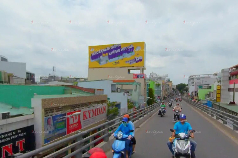 Pano quảng cáo tại vòng xoay Quang Trung - Nguyễn Oanh