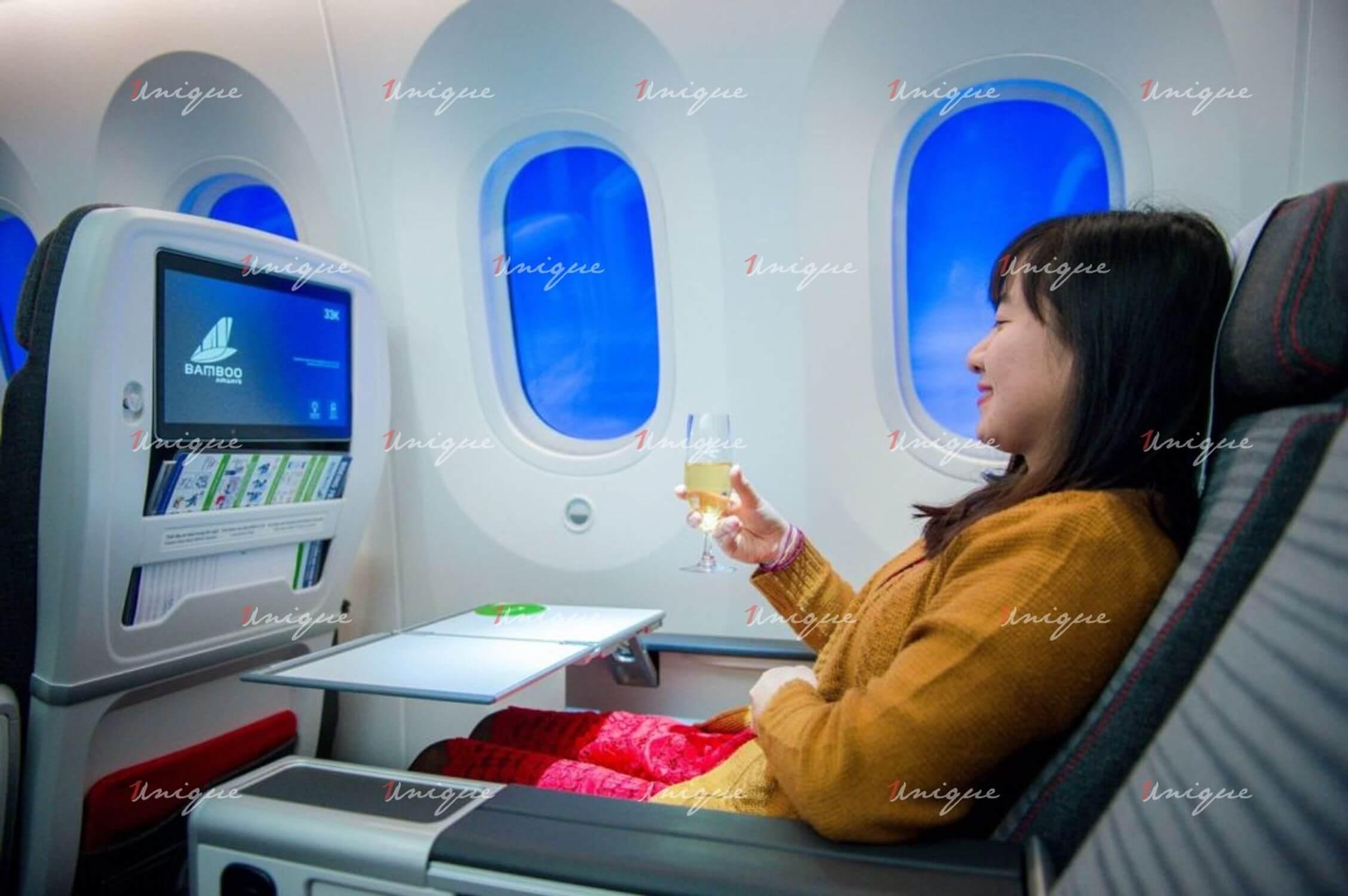 Phát sóng TVC quảng cáo trên màn hình LCD máy bay