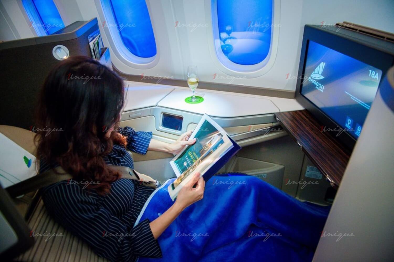 quảng cáo trên máy bay bamboo