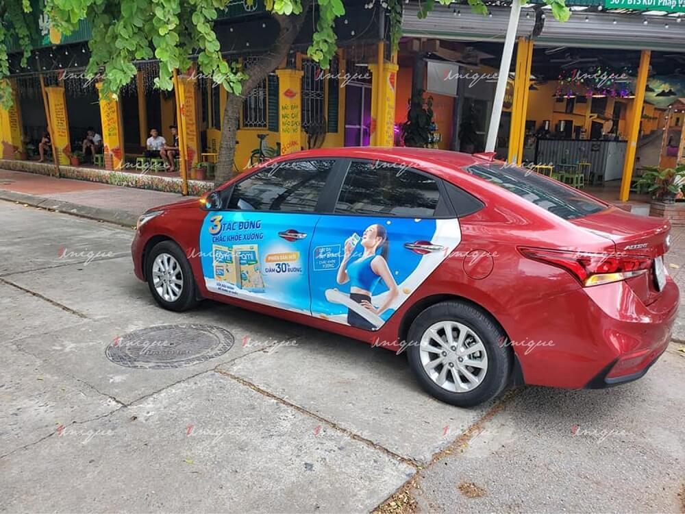 Sữa đậu nành Fami quảng cáo trên xe ô tô BeCar