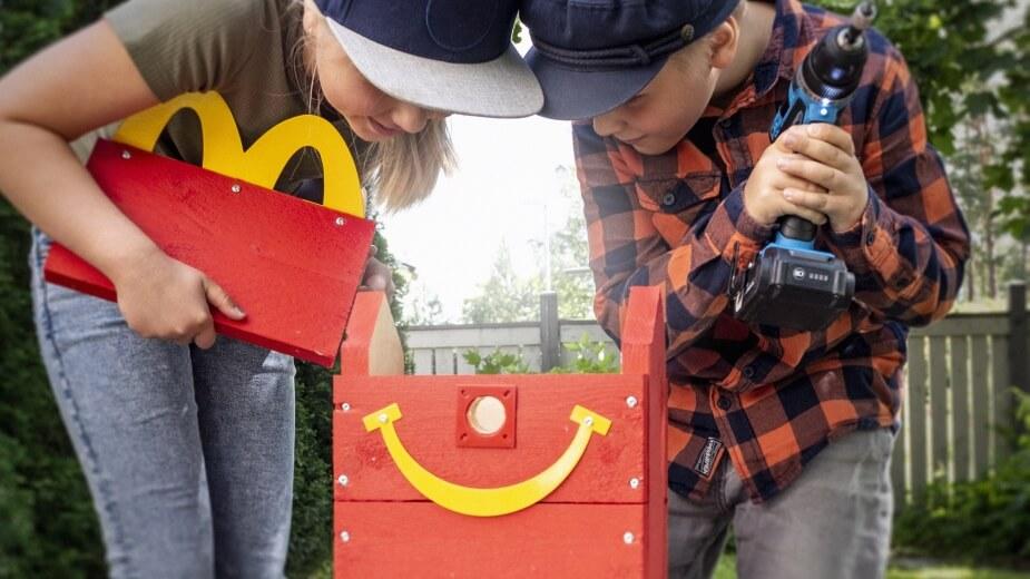 """""""Happy Meal Bird Box"""" - chiến dịch xây tổ cho chim của McDonald's Phần Lan"""