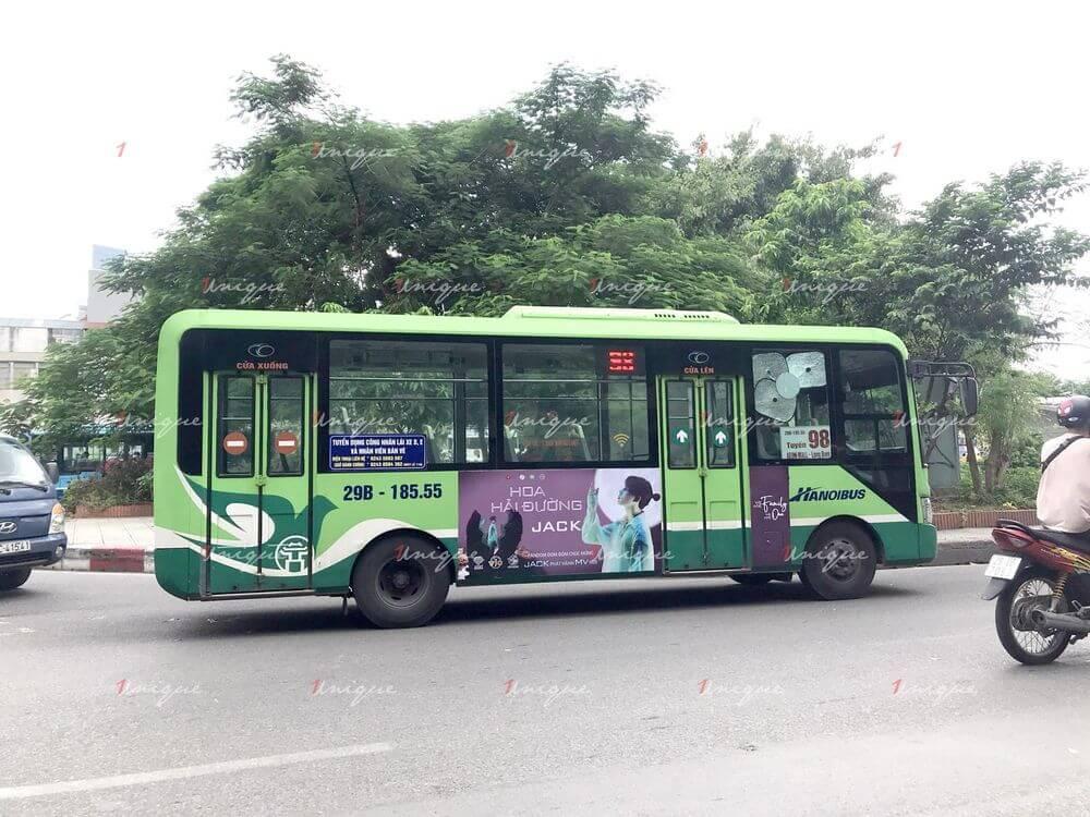 FC Đóm quảng cáo xe buýt mừng Jack comeback với MV Hoa Hải Đường