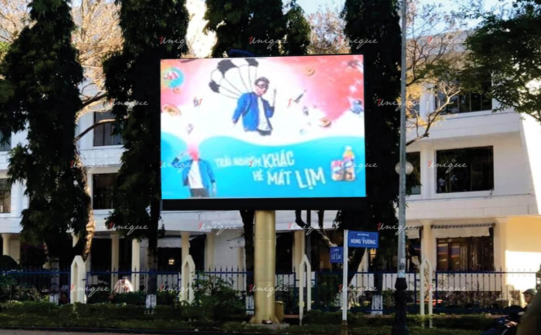 Màn hình led quảng cáo tại ngã ba Hùng Vương, Lê Lai, Pleiku, Gia Lai, Tây Nguyên