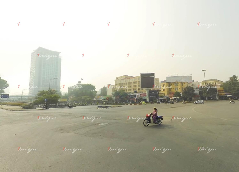Màn hình Led quảng cáo tại ngã tư Cầu Giấy - Đường Láng, Hà Nội