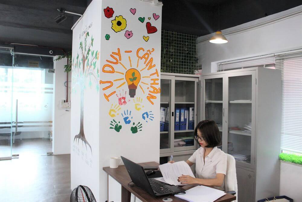 Ghé thăm văn phòng làm việc mới với đầy tình yêu của Unique