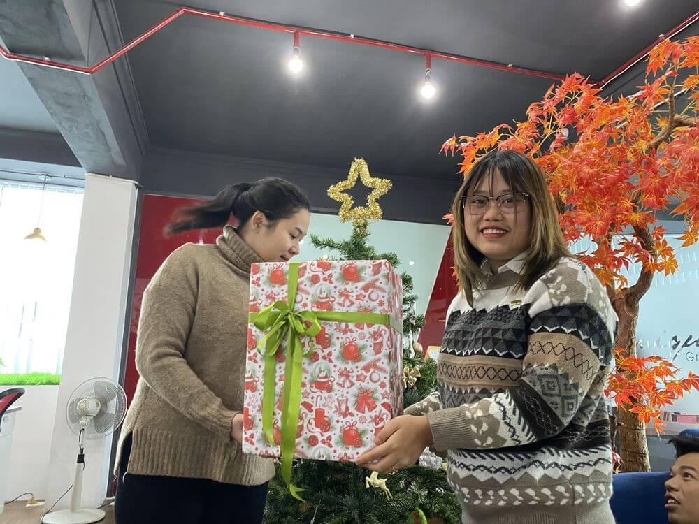 Giáng sinh ngập tràn niềm vui của người Unique