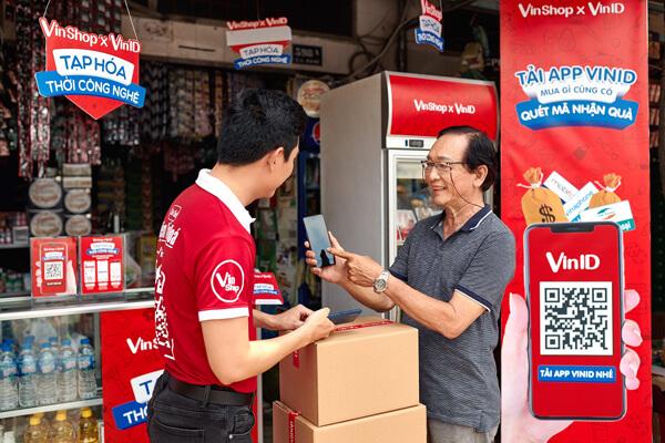 Thi công quảng cáo trên xe tải cho Tạp hóa công nghệ VinShop x VinID