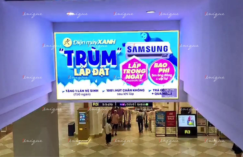 Điện Máy Xanh quảng cáo trên chuỗi màn hình LED indoor tại Vincom Royal City