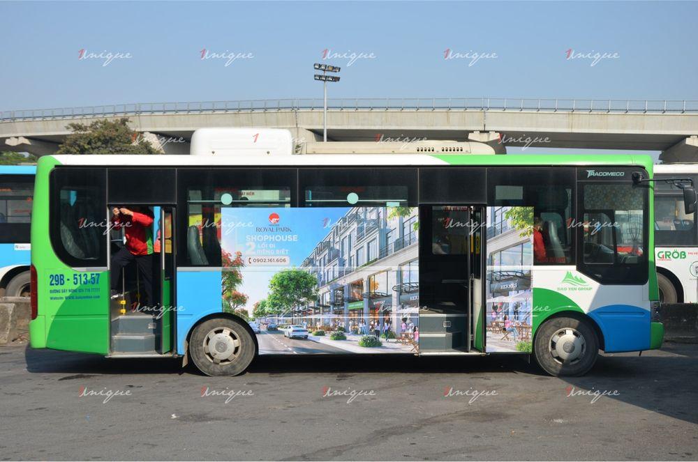 Bất động sản Hinode Royal Park quảng cáo trên xe bus Hà Nội