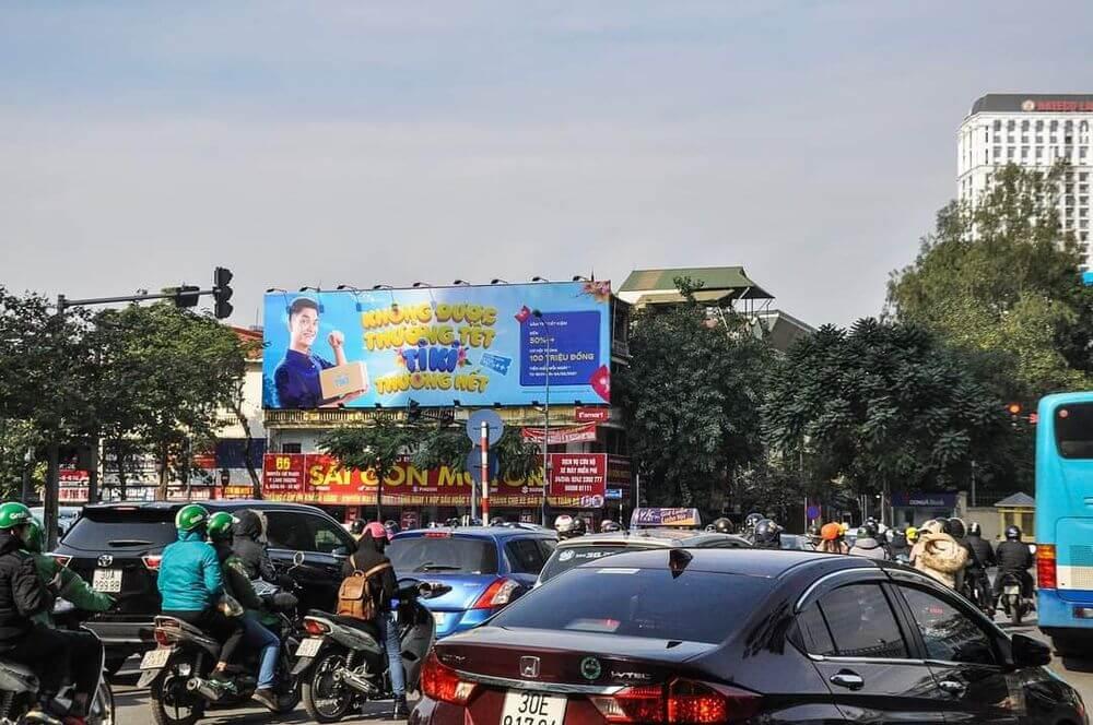 Chiến dịch quảng cáo ngoài trời Tết Nguyên Đán