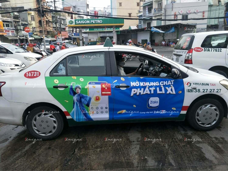 Chiến dịch quảng cáo trên xe taxi của ZaloPay dịp Tết 2021