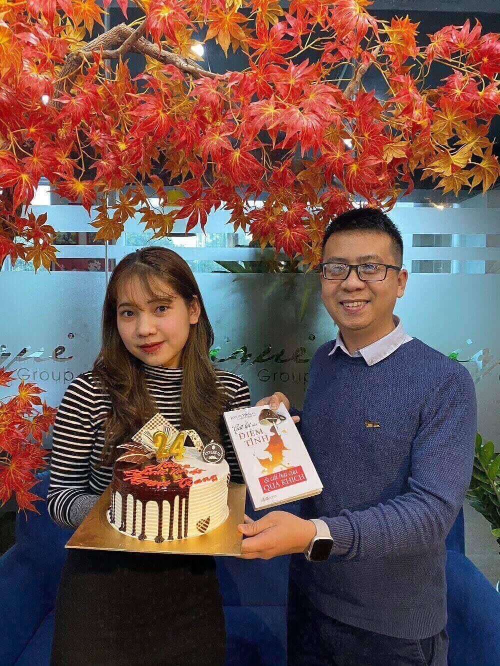 Unique chúc mừng sinh nhật Nguyệt Trang 06/03/2021