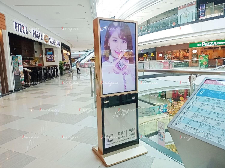 quảng cáo lcd chúc mừng sinh nhật Miyawaki Sakura