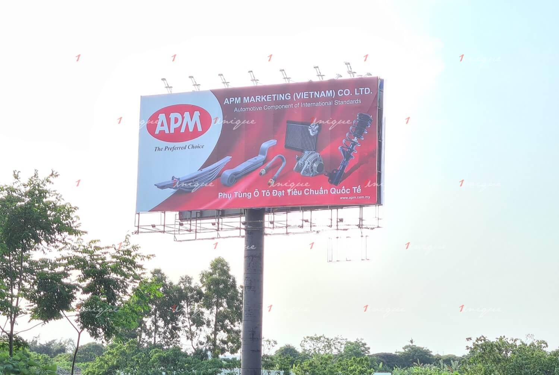 Billboard quảng cáo của APM tại đường cao tốc Pháp Vân – Cầu Giẽ, Hà Nội