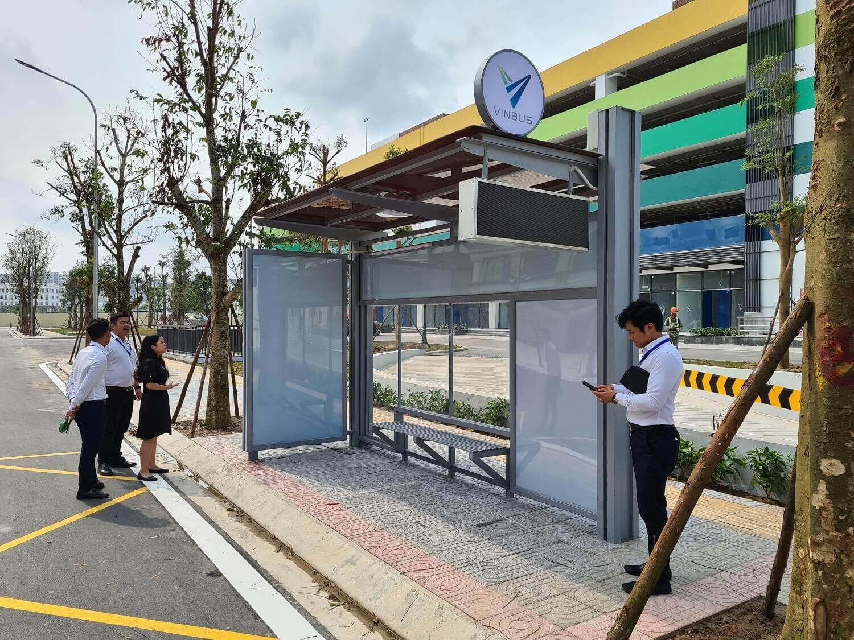 Quảng cáo nhà chờ xe buýt điện VinBus