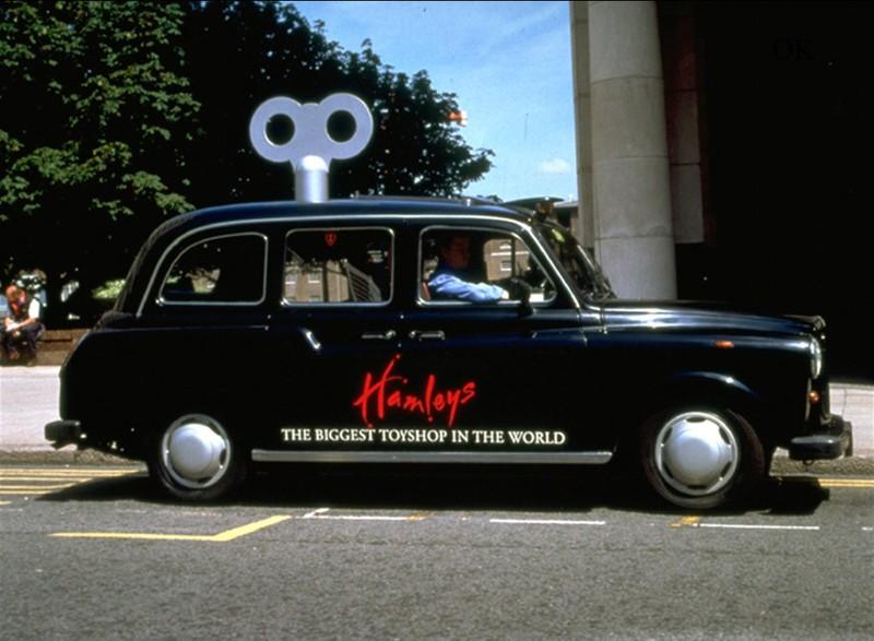 Quảng cáo trên ô tô sáng tạo độc lạ và thú vị