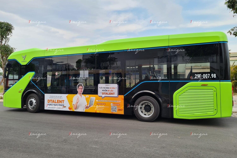 VNDIRECT quảng cáo xe buýt điện VinBus quảng bá chương trình đào tạo nghề Tài chính - Đầu tư
