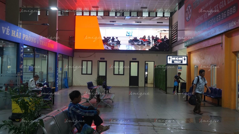 Màn hình LED quảng cáo tại bến xe Gia Lâm (Hà Nội)
