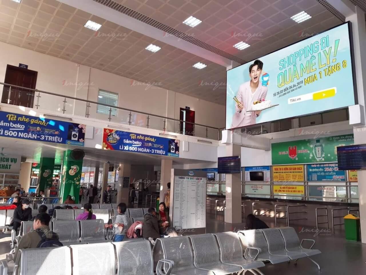 Màn hình LED quảng cáo tại bến xe Giáp Bát (Hà Nội)