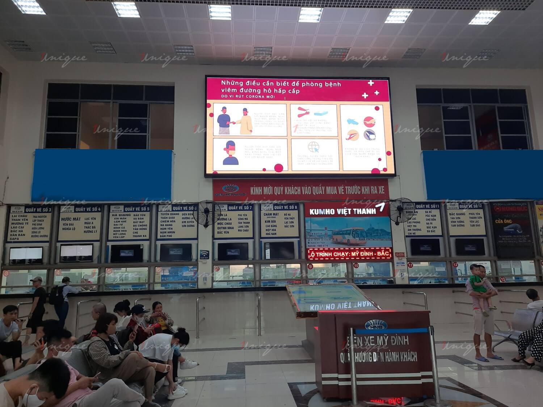Màn hình LED quảng cáo tại bến xe Mỹ Đình (Hà Nội)
