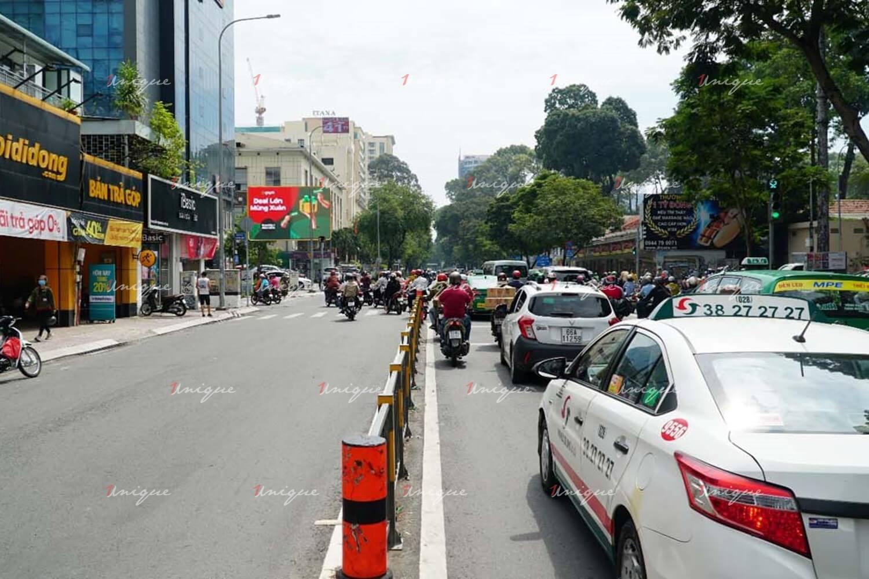 Màn hình Led quảng cáo ngoài trời tại 180 Nguyễn Thị Minh Khai, Quận 3, Hồ Chí Minh