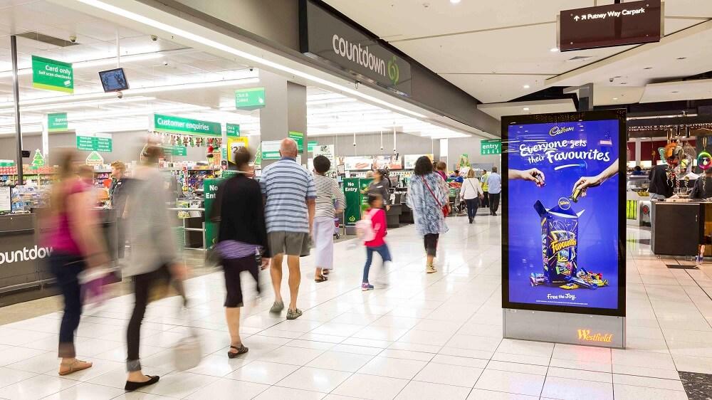 Quảng cáo ngoài trời theo địa điểm cụ thể (Place Based OOH Advertising)